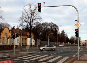 Světelná signalizace má zvýšit bezpečnost chodců a sanitek